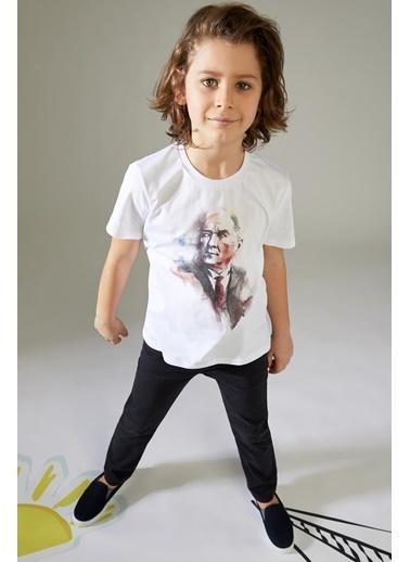DeFacto Erkek Çocuk Atatürk Baskılı Tişört Beyaz